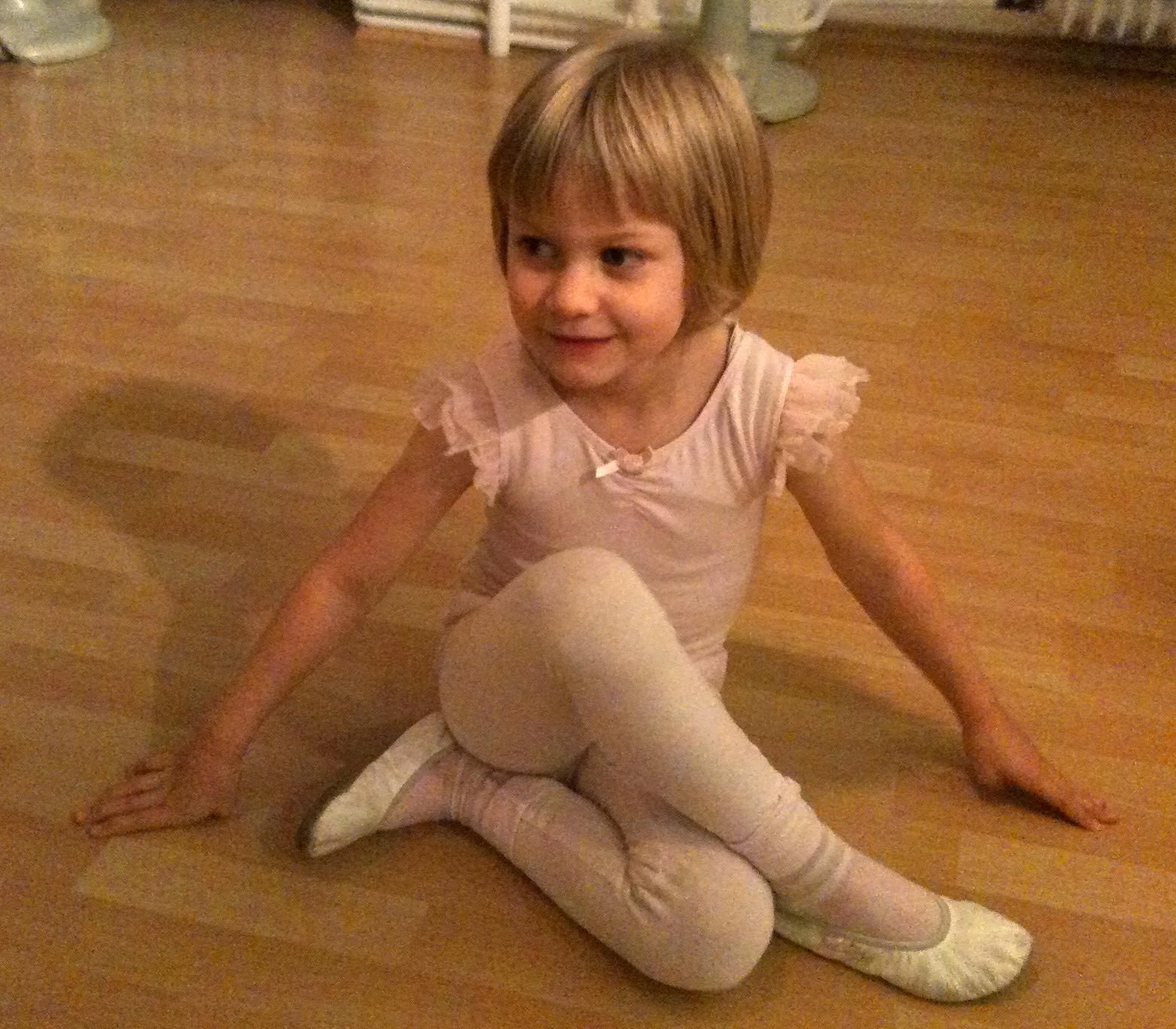 Kinder strumpfhosen sorgusuna uygun sekilleri pulsuz yükle